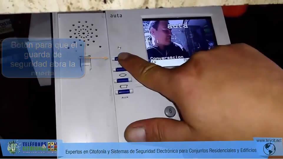 Ejemplo del funcionamiento videocitofonos videoporteros Auta