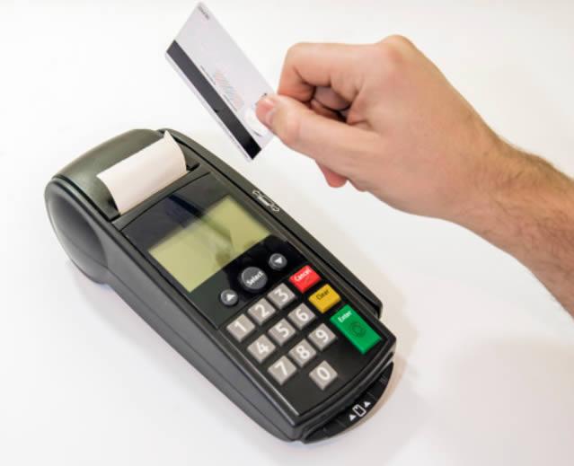 Pagar con tarjeta débito o crédito mediante datáfono